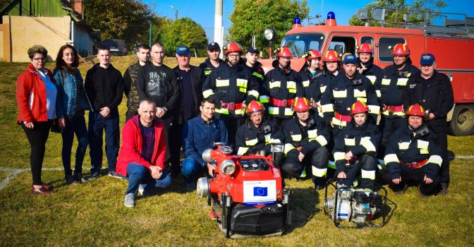 Joint training for firefighters from Recas and Zagubica